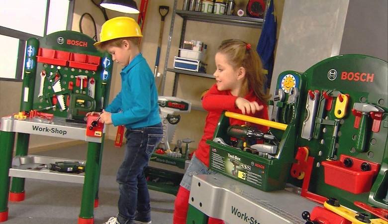 Plongez dans l'univers des jeux et jouets Klein ! Pour les petits comme les plus grands, les jouets Klein émerveilleront vos enfants
